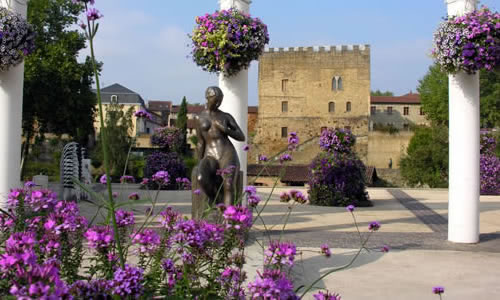 Mont-de-Marsan, capital of the Landes department, I called this town my Lilac town